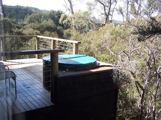 Hot tub on balcony picture of cradle mountain lake st for Balcony hot tub