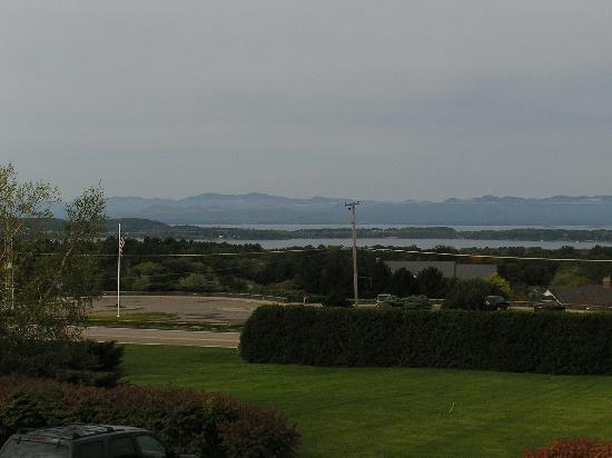 Overlook Park Bed and Breakfast: View Across Lake Champlain