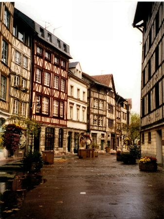 Rouen france an ode to joan of arc worldromper for Haute normandie rouen