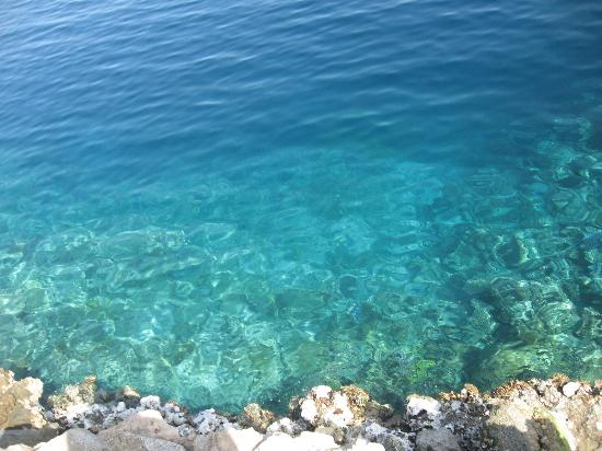 http://media-cdn.tripadvisor.com/media/photo-s/01/06/34/82/the-clear-water-of-the.jpg