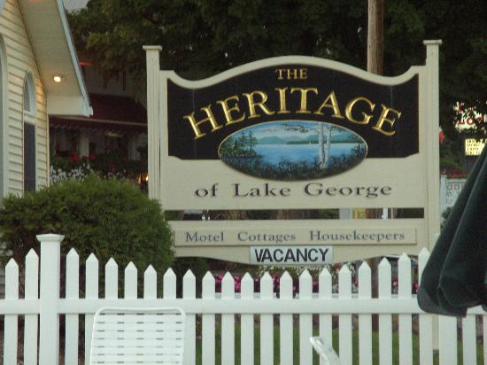 Heritage of Lake George Motel: The sign