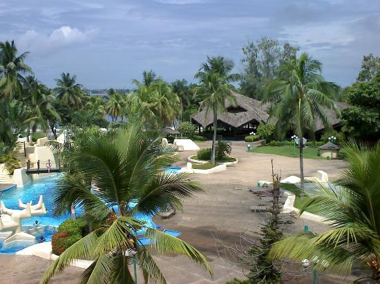 Hotel du Golf, Abidjan, Swimming pool, view from room (2nd floor)