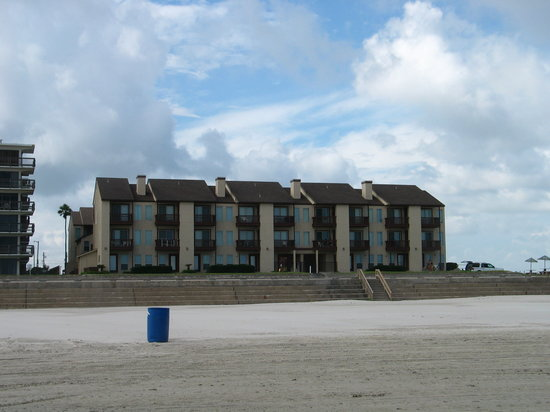El Constante Beachfront Condominiums