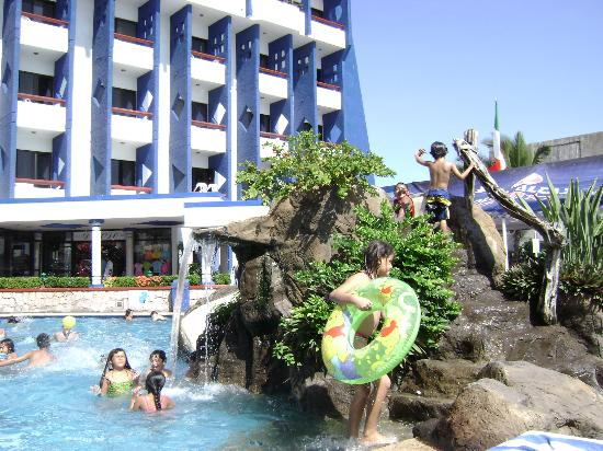 Olas Altas Inn: Pool Slide