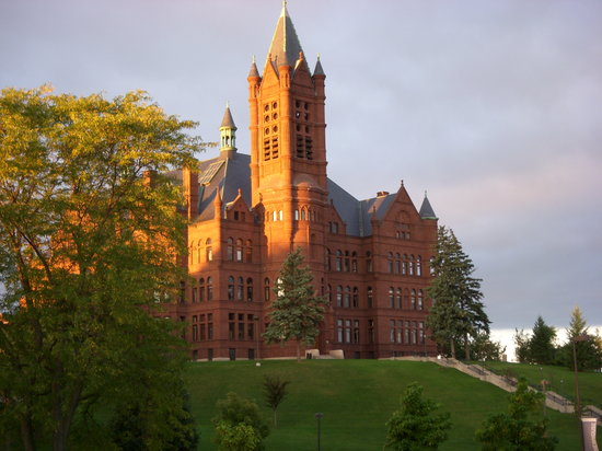 Sheraton Syracuse University Hotel & Conference Center: Syracuse University campus