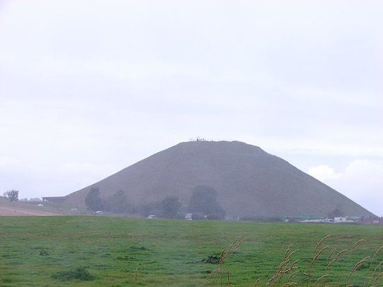 United Kingdom: the silbury mound