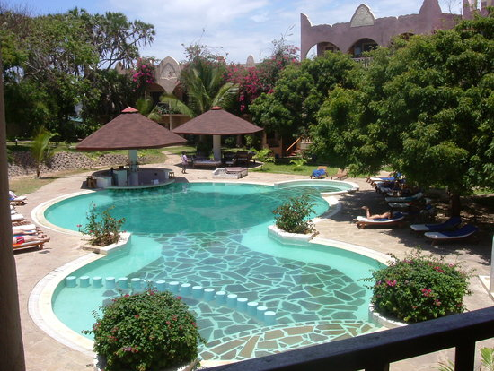 Aquarius Watamu Beach Resort: Lily Palm Pool