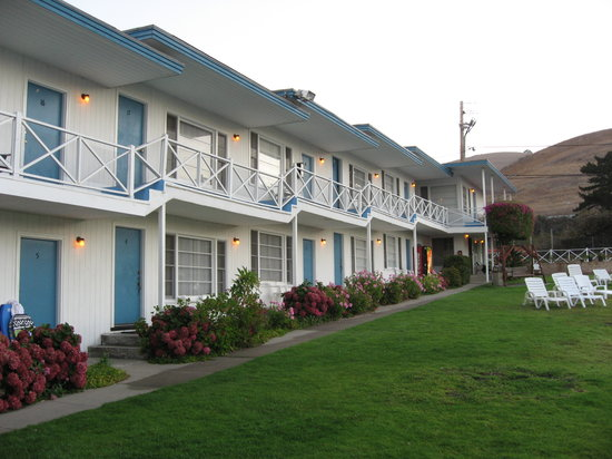The Tides Motel: outside of tides motel, looks nice from the outside, inside a different story