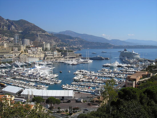Monaco : view of the port