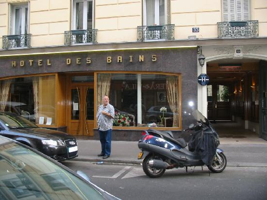 Front of hotel des bains picture of hotel des bains for Hotel des bains paris