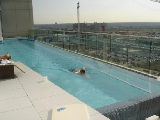 Sky pool in london texags for Pool show dallas