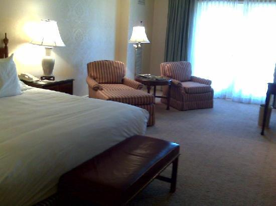 Ritz-Carlton St. Louis: Another shot from the door