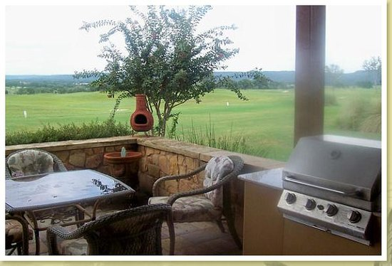 Photo of Lake Travis Golf Cottage Spicewood