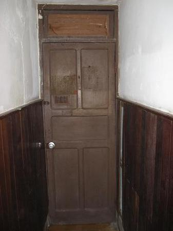 Hotel Belmar: Door - inside of the room