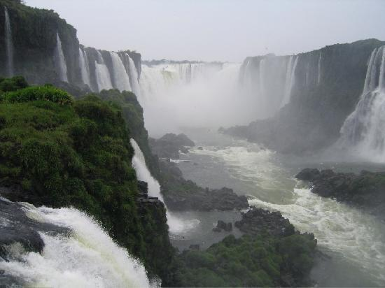 Hotel das Cataratas by Orient-Express: Iguacu Falls from close to the hotel