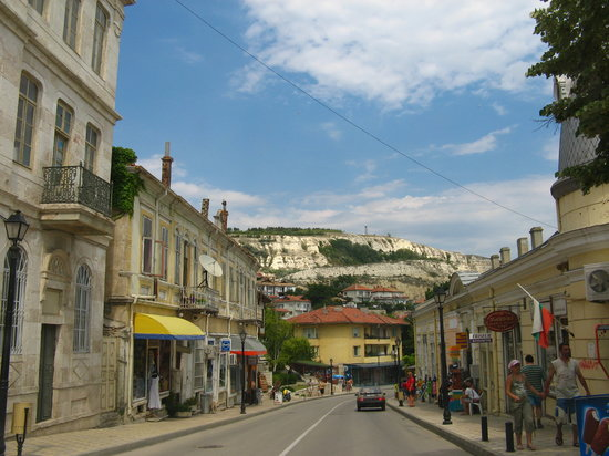 Balchik, Bulgaria: street