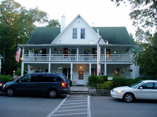 Main Building of White Gull Inn