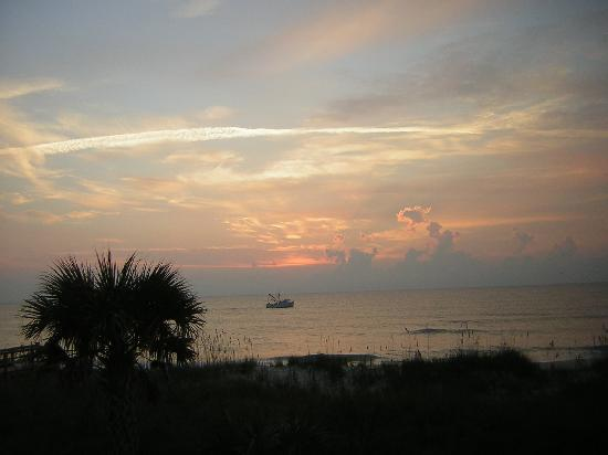 Dolphin Lane Motel: sunrise and shrimp boat (view from balcony)