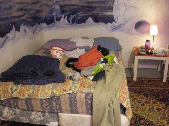 Ottawa Backpackers Inn: bedroom galactia