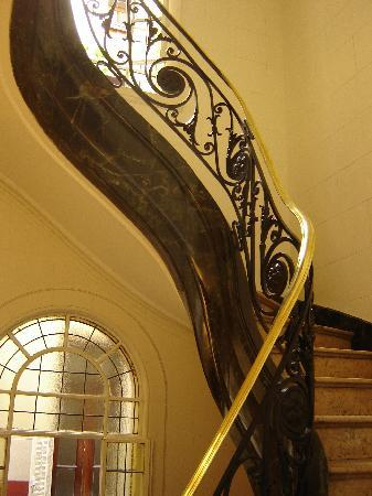 http://media-cdn.tripadvisor.com/media/photo-s/01/07/bc/83/art-nouveau-stairway.jpg