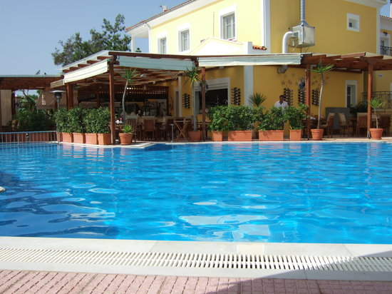 G George Aparthotel: Pool