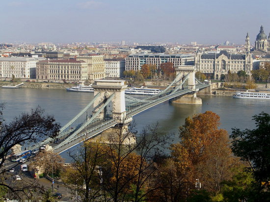 Chain Bridge Szechenyi Lanchid Budapest Hungary