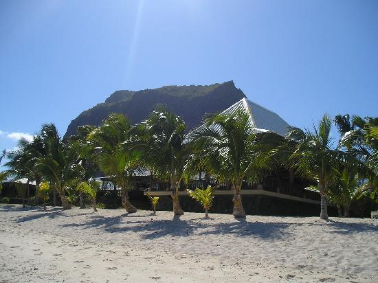 LUX Le Morne: View of the Eoile de Mer Restaurant