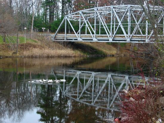 Shawano (WI) United States  City new picture : Shawano, WI: Bridge into town