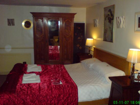 Hudsons Guest House: suite bedroom