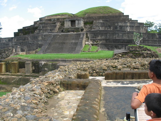 San Salvador, Salwador: Mayan Ruins