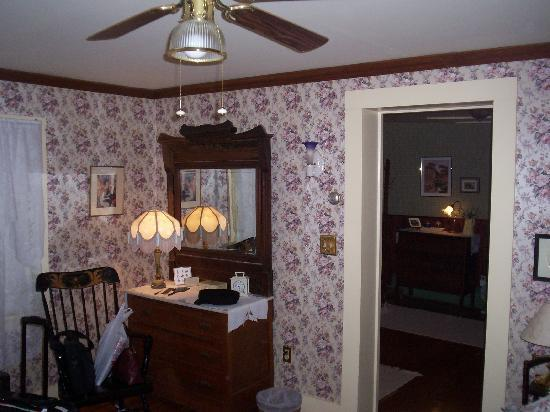 Ingalls Crossing Farm Bed & Breakfast : room again