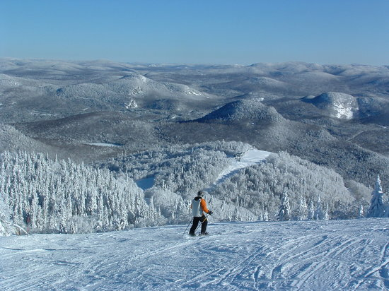 Mont Tremblant, Kanada: view of the Laurentians