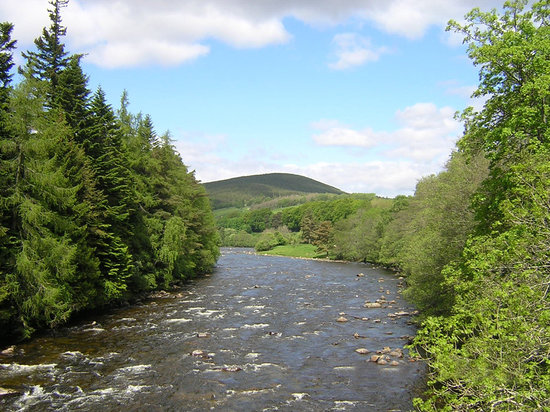 Ballater, UK: River Dee at Balmoral, Ballater, Aberdeenshire, Scotland