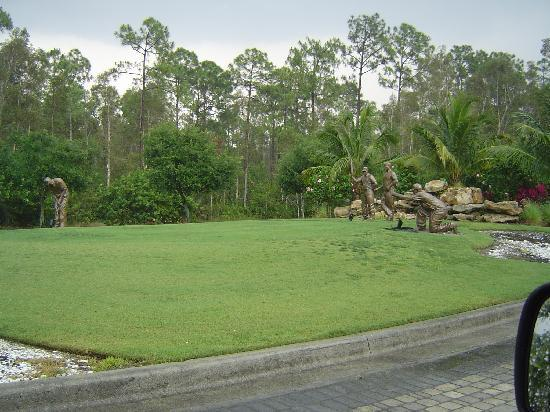 GreenLinks Golf Villas at Lely Resort: entrance to Green Links