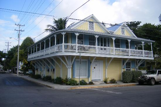 Angelina Guest House: front hotel