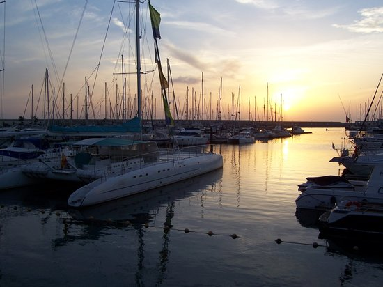 Playa Blanca, Espagne : Rubicon Marina at sunset