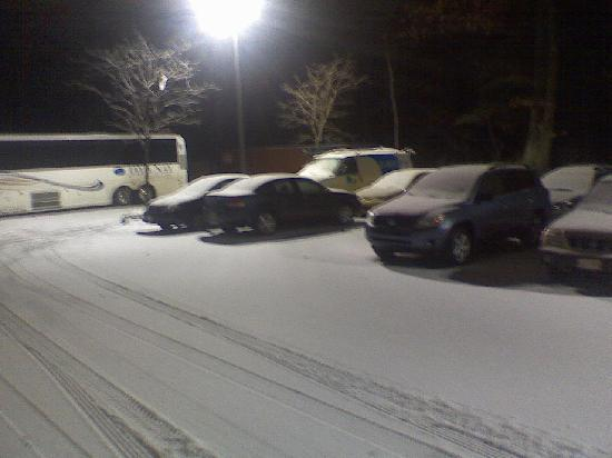 Comfort Inn Pittsfield: Snowy Parking Lot - part 1