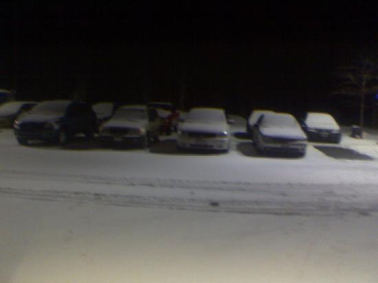 Comfort Inn Pittsfield: Snowy Parking Lot - part 2
