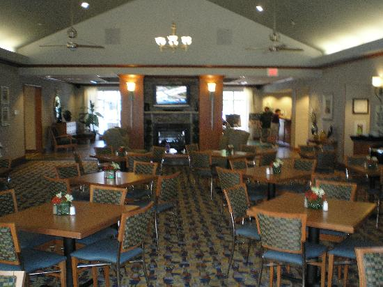 Homewood Suites by Hilton Bethlehem Airport: Breakfast/manager repection area