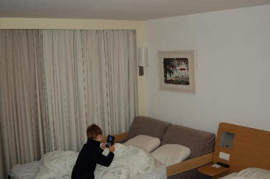 Novotel Mechelen Centrum: Couch bed