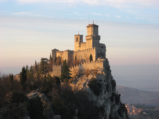 City of San Marino, San Marino: On the walk from car park 3