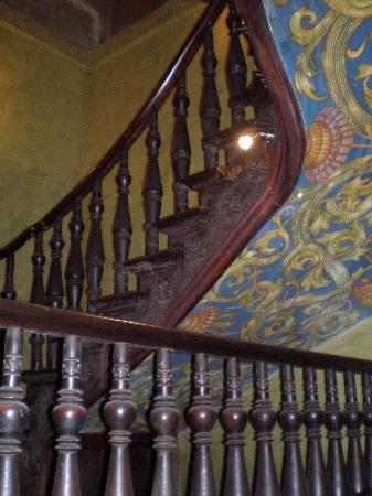 Tango House Bed & Breakfast: staircase