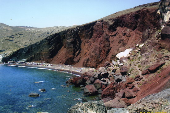 Kamari, Yunanistan: Red beach