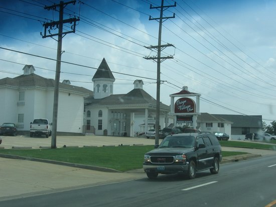 Osage Beach, MO: osage village inn