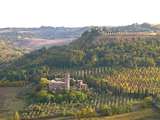 Orvieto, talya: view from park near Duomo