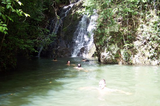 Farallon (Playa Blanca), Panama/Panam: Waterfall at Gatun Lake JUNGLEBOAT TOUR