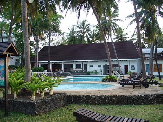 Kenya Bay Beach Hotel: Swimming Pool