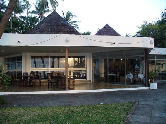 Kenya Bay Beach Hotel: Restaurant