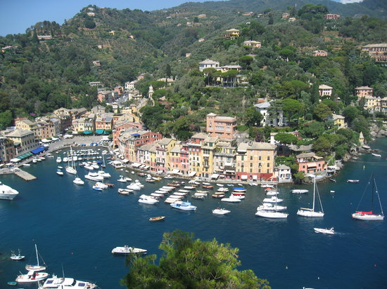 Рапалло, Италия: Portofino from Castle Brown (well worth a visit)