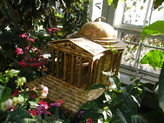 Jefferson Memorial Model During The Holiday Display Picture Of United States Botanic Garden